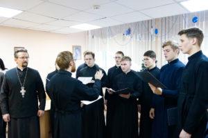 Семинарский хор выступил в Витебском областном клиническом родильном доме