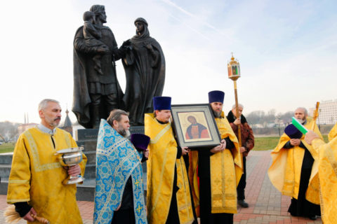 Семинарский хор принял участие в богослужении престольного праздника храма Александра Невского