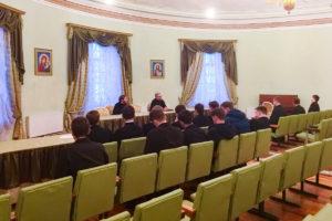 В семинарии прошла очередная встреча студентов с духовником учебного заведения