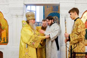 В Неделю святых праотец студент 5-го курса семинарии Андрей Бухенко был рукоположен во диакона