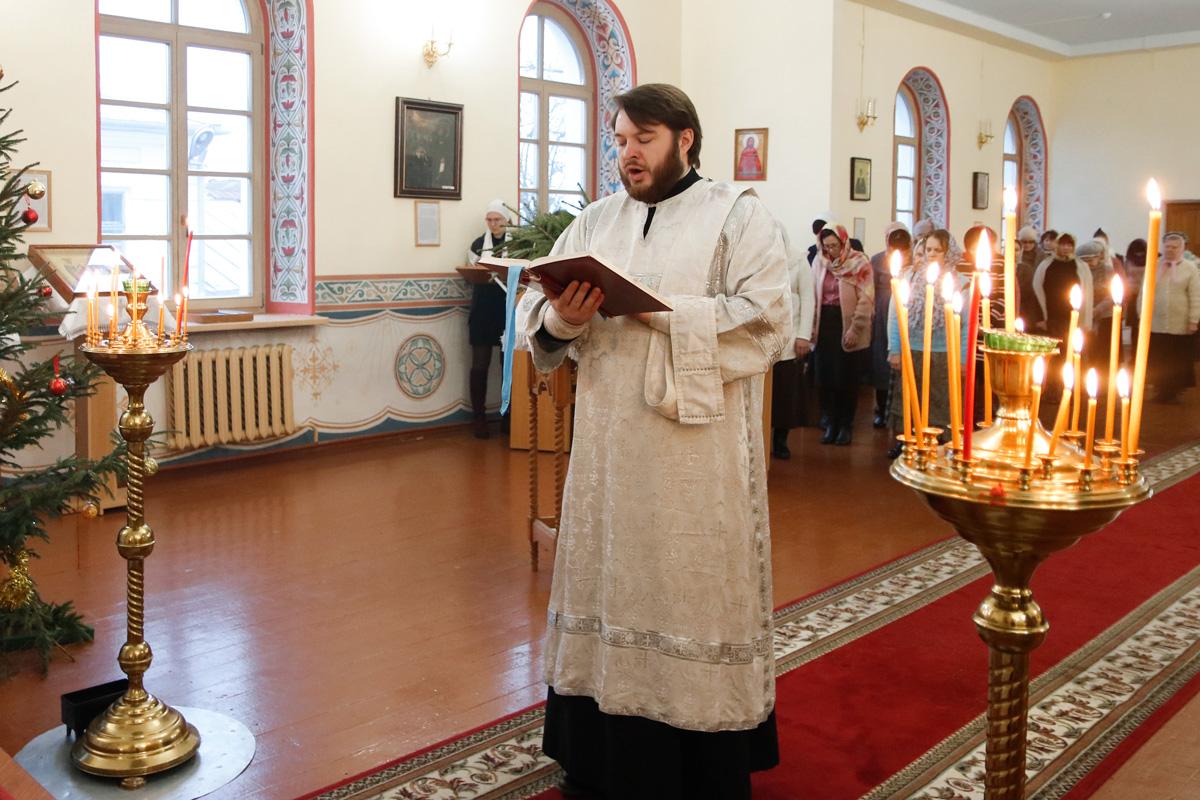 Архиепископ Димитрий совершил Литургию в семинарском храме