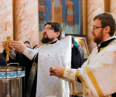 В навечерие Богоявления первый проректор семинарии совершил Божественную литургию в храме Воскресения Господня