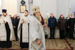 В канун праздника Рождества Христова ректор семинарии совершил всенощное бдение в Свято-Успенском кафедральном соборе
