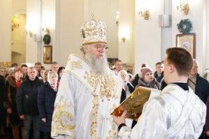 В праздник Рождества Христова ектор семинарии совершил Божественную литургию в Свято-Успенском кафедральном соборе