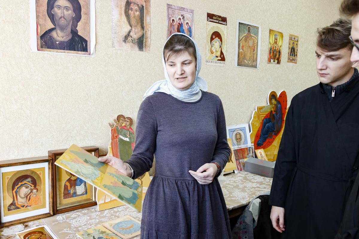 Семинаристы посетили иконописную мастерскую Витебского женского духовного училища