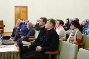 Преподаватель литургики провел лекцию для посетителей отделения дневного пребывания территориального центра социального обслуживания