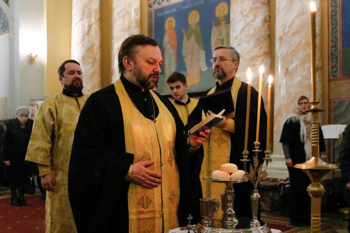 В семинарии молитвенно встретили первую подготовительную Неделю к Великому посту
