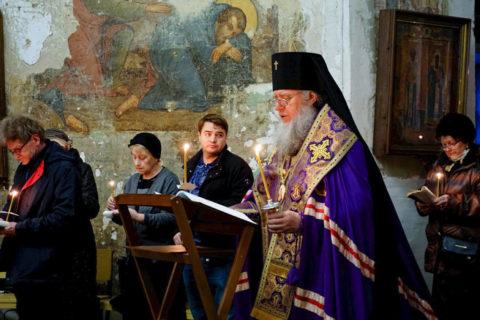 В четверг первой седмицы Великого поста ректор семинарии совершил богослужение в храме святой великомученицы Ирины