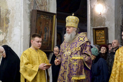 В канун Недели 2-й Великого поста ректор семинарии совершил всенощное бдение в храме святой великомученицы Ирины