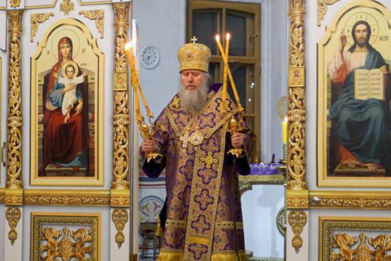 В канун Недели 4-й Великого поста ректор семинарии совершил всенощное бдение в храме святой великомученицы Ирины