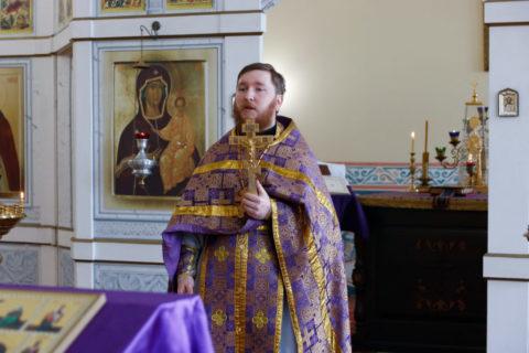 В Неделю Торжества Православия проректор по воспитательной работе совершил Литургию в семинарском храме