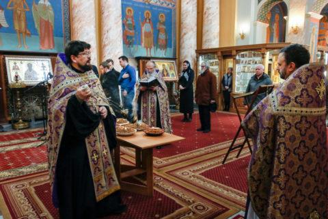 В пятницу первой седмицы Великого поста первый проректор семинарии совершил молебное пение святому великомученику Феодору Тирону и чин благословения колива