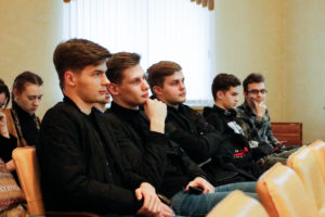 Студенты семинарии приняли участие в лекционном занятии для международной студенческой команды проекта «Жемчужное ожерелье Святой Руси»: к 75-летию Великой Победы»