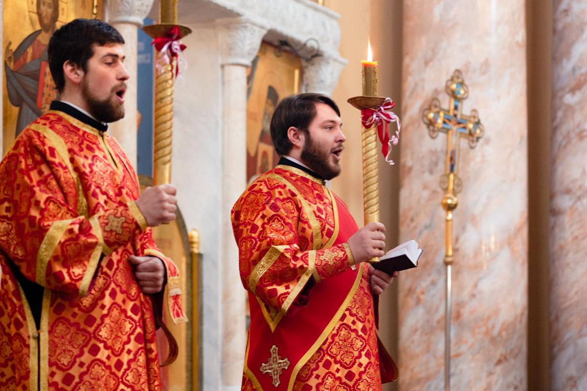 Архиерейское богослужение в понедельник Светлой седмицы. Фоторепортаж