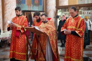 Богослужение в день Радоницы совершил проректор по учебной работе протоиерей Дмитрий Савич