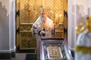 В праздник Светлого Христова Воскресения ректор семинарии возглавил торжественное богослужение в Свято-Успенском соборе города Витебска