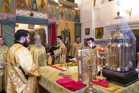 В Неделю 3-ю по Пятидесятнице ректор семинарии совершил Литургию в Свято-Покровском соборе города Витебска