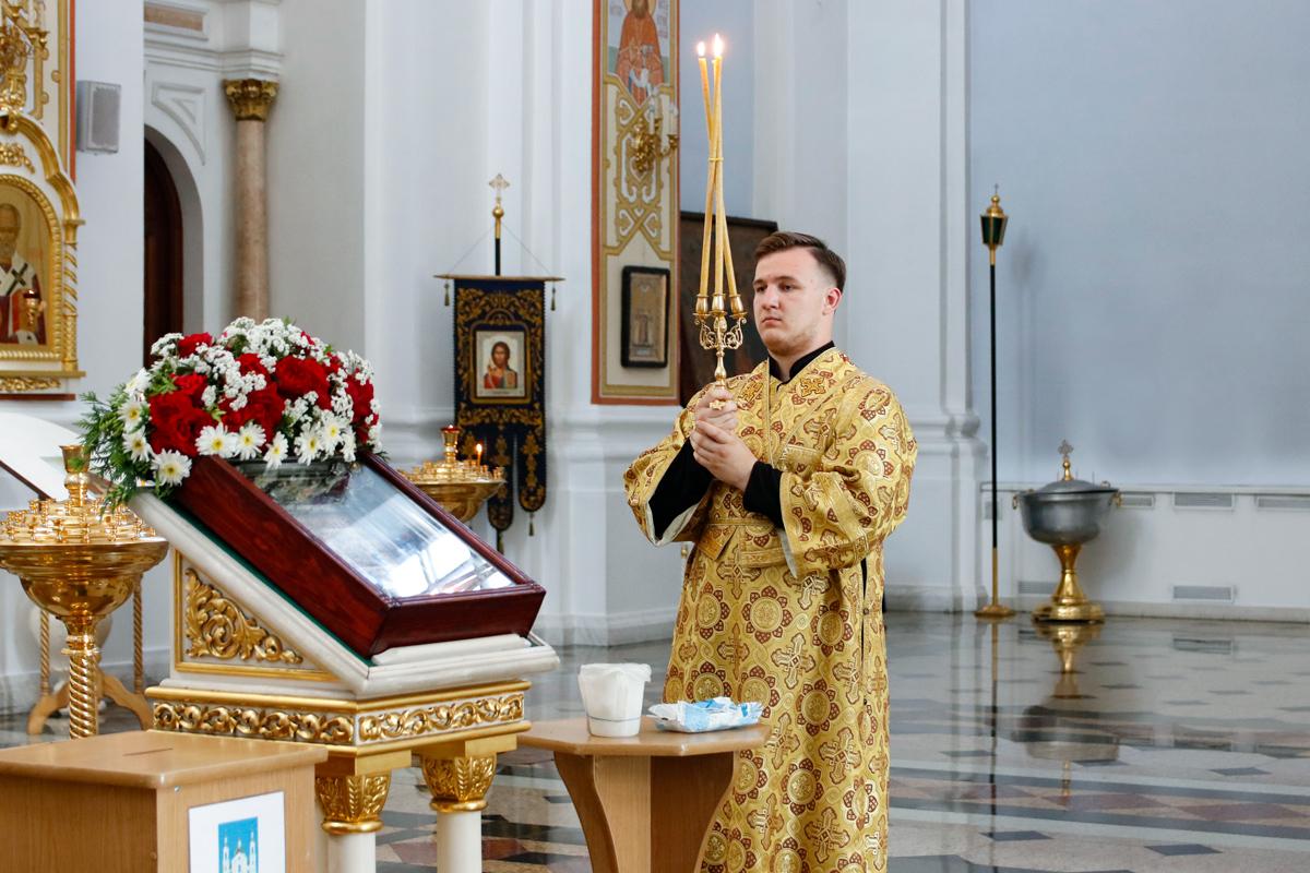 В канун Недели 4-ой по Пятидесятнице ректор семинарии совершил всенощное бдение в Свято-Успенском кафедральном соборе