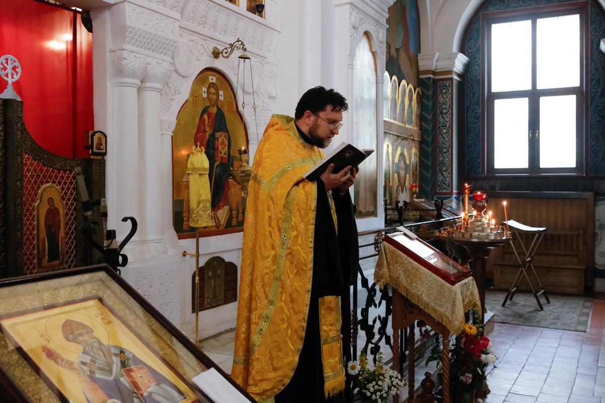 В праздник Рождества Иоанна Крестителя ректор семинарии совершил Литургию в Свято-Покровском соборе города Витебска