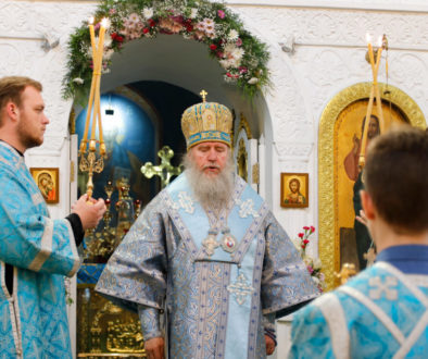 В канун праздника Казанской иконы Божией Матери ректор семинарии совершил всенощное бдение в Свято-Троицком Марковом мужском монастыре
