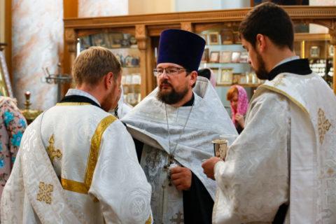В канун Недели 11-й по Пятидесятнице первый проректор семинарии совершил всенощное бдение в храме Воскресения Христова