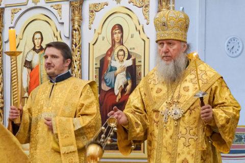 В канун Недели 10-й по Пятидесятнице ректор семинарии совершил всенощное бдение в храме святой великомученицы Ирины