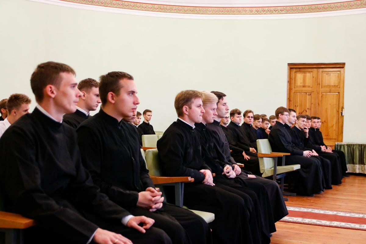 В семинарском храме был совершен молебен перед началом учебного года