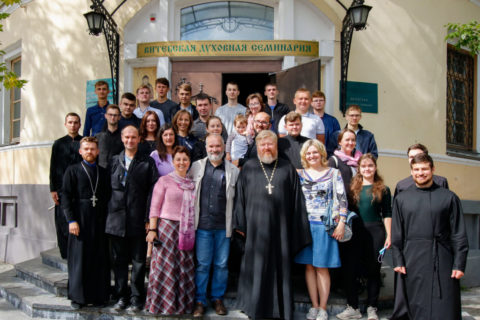 В семинарии прошла встреча с руководителем Христианского фонда молодежных программ «Вместе-на-Планете»