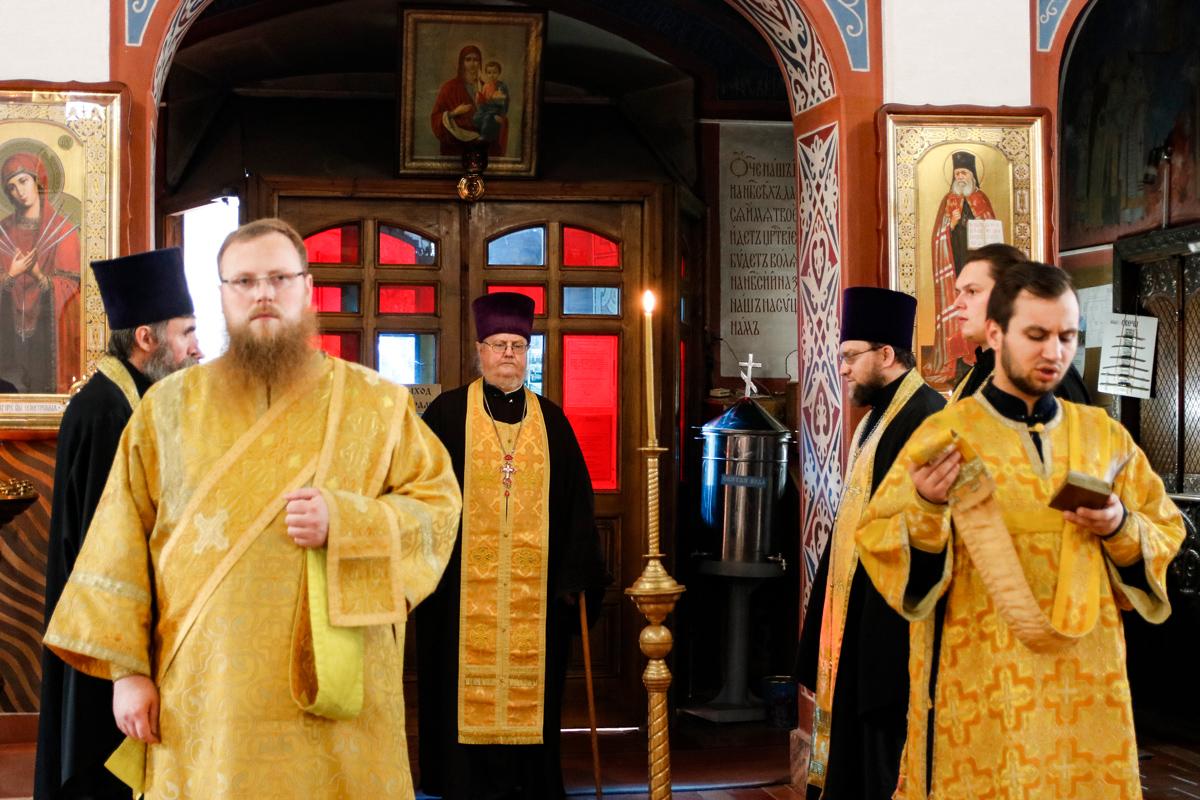 В канун Недели 14-ой ректор семинарии совершил всенощное бдение в Свято-Покровском соборе города Витебска