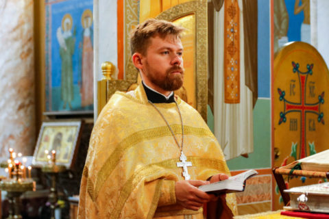 В неделю 14-ю по Пятидесятнице проректор по воспитательной работе совершил Литургию в храме Воскресения Христова города Витебска