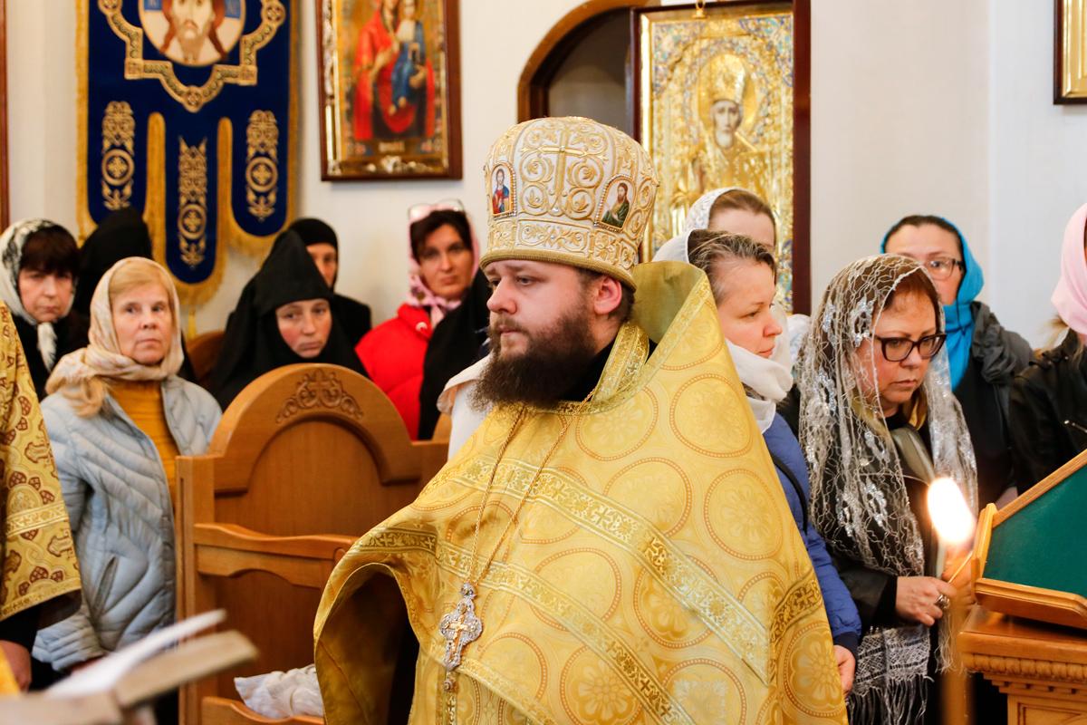 Ректор Витебской духовной семинарии возглавил приемную комиссию в Витебском женском духовном училище
