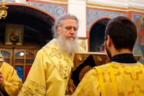 В канун Недели 15-й по Пятидесятнице ректор семинарии совершил всенощное бдение в Свято-Покровском соборе города Витебска