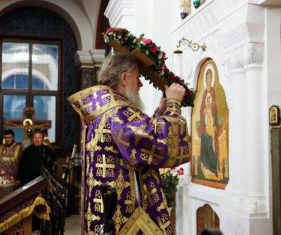 В канун Крестовоздвижения ректор семинарии совершил всенощное бдение в Свято-Покровском соборе города Витебска