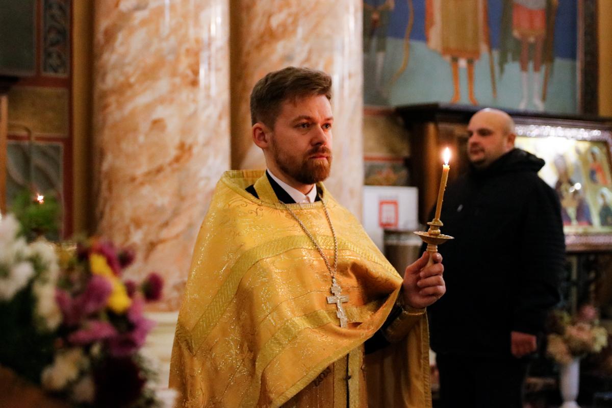 В канун Недели 19-й по Пятидесятнице первый проректор семинарии совершил всенощное бдение в храме Воскресения Христова города Витебска