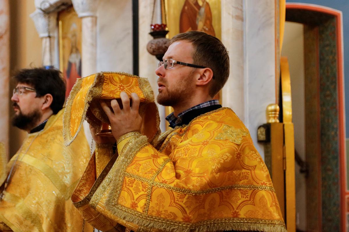 В Неделю 19-ю по Пятидесятнице первый проректор совершил Литургию в храме Воскресения Христова города Витебска