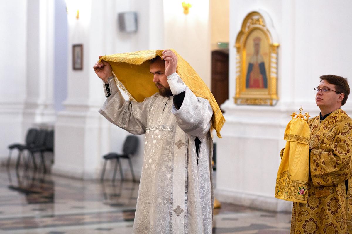 В Свято-Успенском соборе города Витебска прошло соборное богослужение по случаю дня тезоименитства архиепископа Димитрия