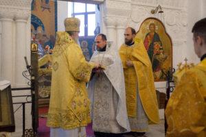 В Неделю 24-ю по Пятидесятнице ректор семинарии совершил Литургию в Свято-Покровском соборе города Витебска