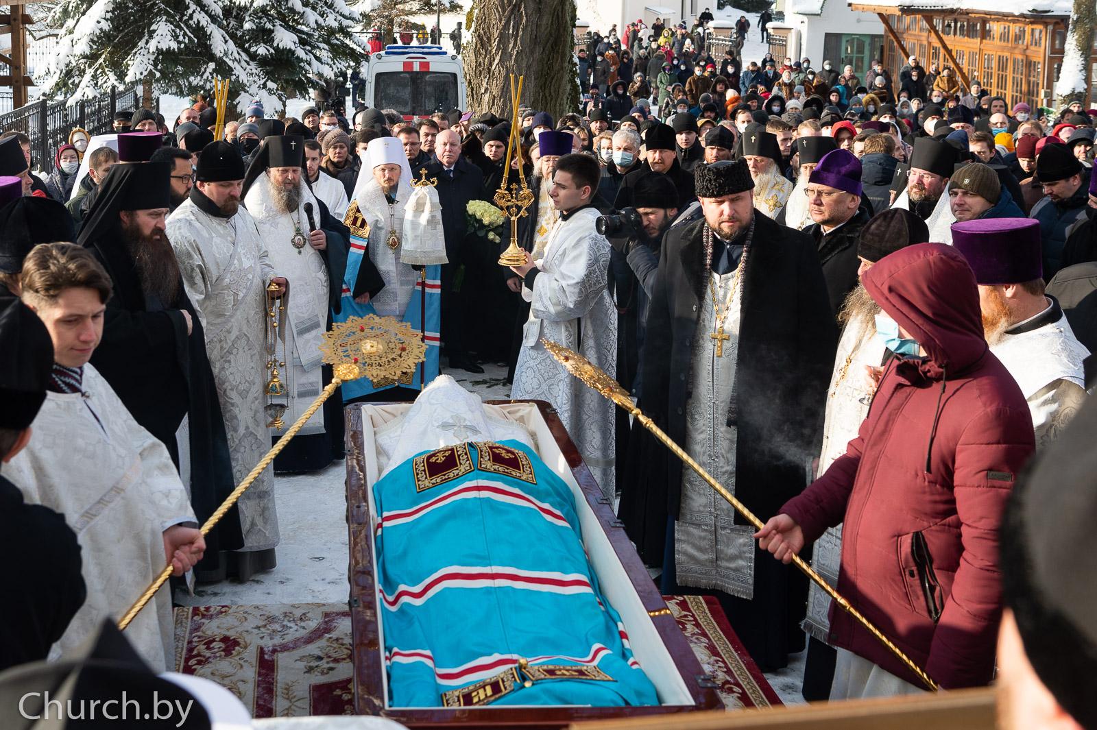 Представители семинарии приняли участие в погребении новопреставленного митрополита Филарета