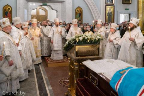 В канун праздника Обрезания Господня ректор семинарии сослужил митрополиту Вениамину в Свято-Духовом кафедральном соборе города Минска