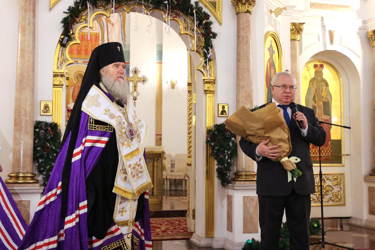 В праздник Рождества Христова руководство и студенты семинарии помолились во время традиционного молебна в Свято-Успенском кафедральном соборе города Витебска