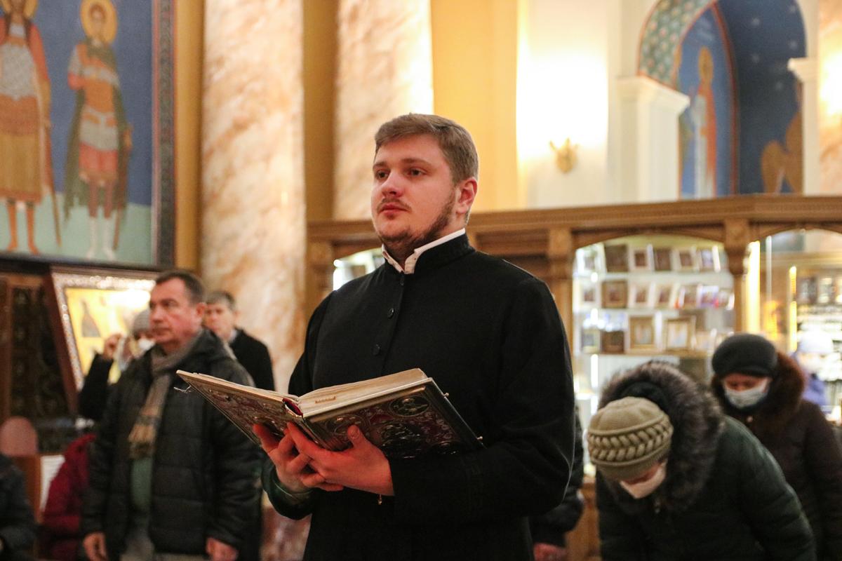 В Неделю 33-ю по Пятидесятнице первый проректор семинарии совершил Литургию в храме Воскресения Христова города Витебска