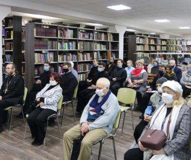 В рамках программы «Живое слово мудрости духовной» семинаристы посетили Витебскую областную библиотеку