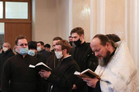 Представители семинарии приняли участие в отпевании экс-ректора ВГУ имени П. М. Машерова