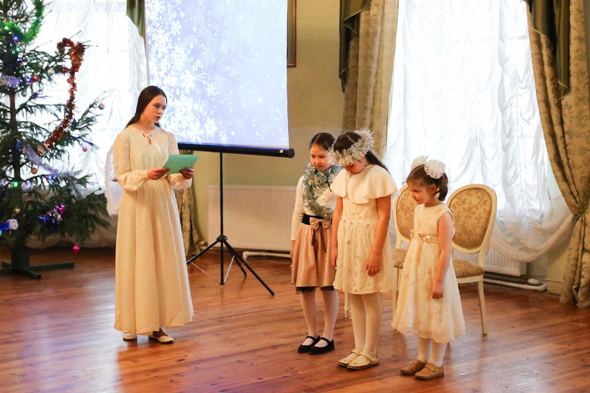 В актовом зале семинарии прошел рождественский утренник воскресной школы при храме Воскресения Христова города Витебска