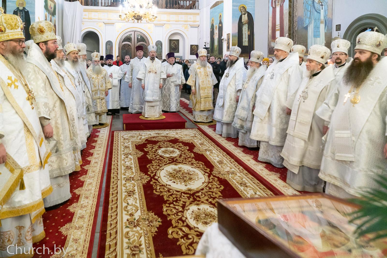 В 40-й день по кончине митрополита Филарета ректор семинарии принял участие заупокойных богослужениях в Жировичском монастыре