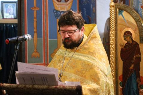 В Неделю 35-ю по Пятидесятнице первый проректор семинарии совершил Литургию в храме Воскресения Христова города Витебска