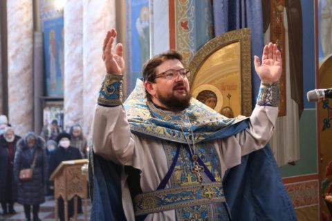 В праздник Сретения Господня первый проректор семинарии совершил Литургию в храме Воскресения Христова города Витебска