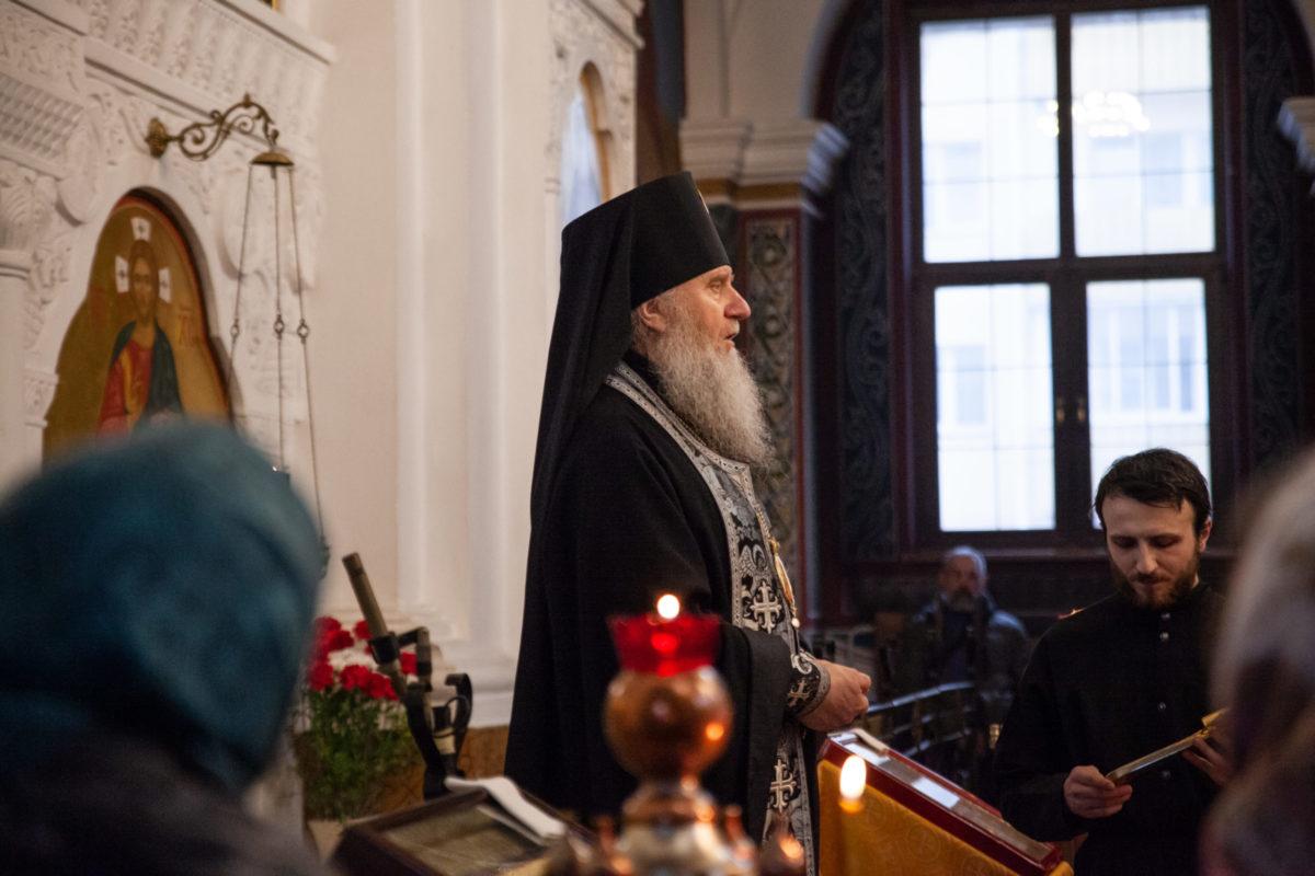 Ректор семинарии совершил вечерню с чином прощения в Свято-Покровском соборе города Витебска