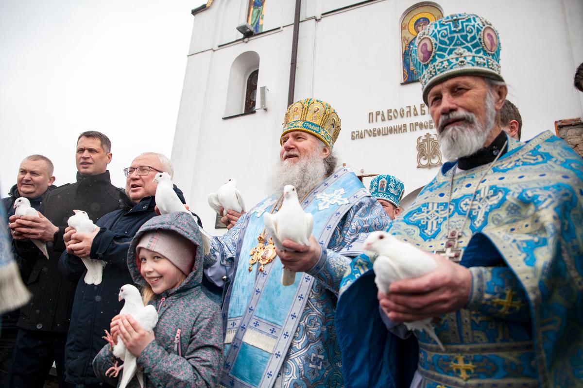 В праздник Благовещения Пресвятой Богородицы ректор семинарии совершил Литургию в одноименном храме города Витебска
