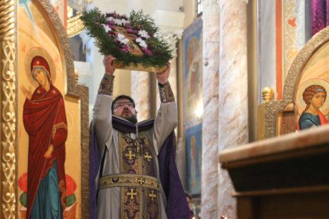 В канун Недели Крестопоклонной первый проректор семинарии совершил всенощное бдение в храме Воскресения Христова города Витебска
